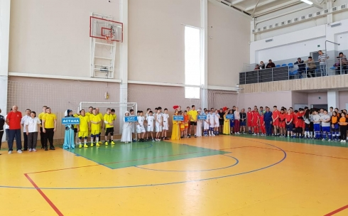 В Караганде стартовал республиканский турнир по юнифайд-волейболу