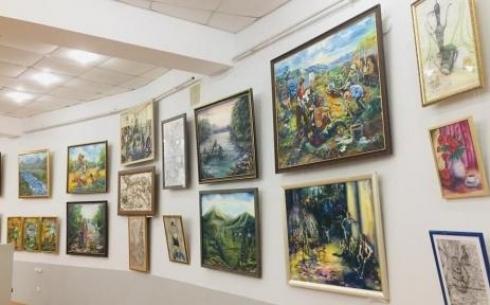 В Караганде открылась выставка Детской художественной школы №1 «Выпуск 2019»