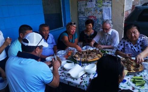 Карагандинцы поблагодарили неравнодушных людей за помощь в беде