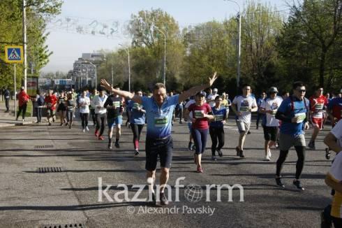 Треть казахстанцев регулярно занимается спортом