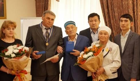 Инспекторам «Охотзоопрома» вручили ордена «Барыс» III степени