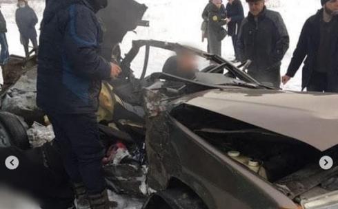 Пассажир легкового транспорта скончался на месте при столкновении с автобусом в Караганде