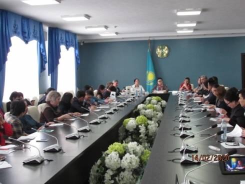 В Караганде обсудили варианты алфавита казахского языка