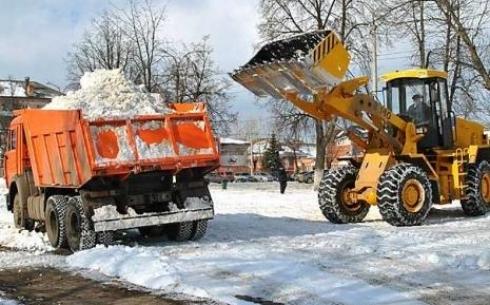 За два дня с карагандинских дорог убрали более 10 тысяч кубометров снега