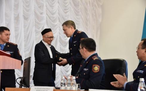 Имам Центральной мечети Караганды награжден за содействие полиции в спасении заложника