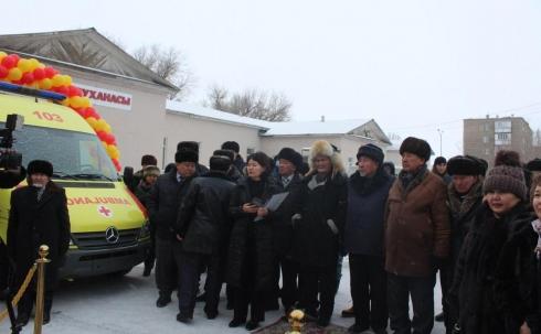 Больница одного из поселков в Карагандинской области получила медицинское оборудование от благотворительного фонда