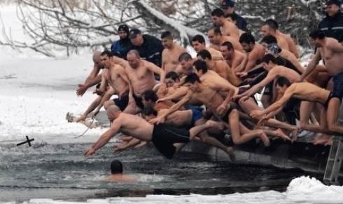 Ледяные купания в Караганде