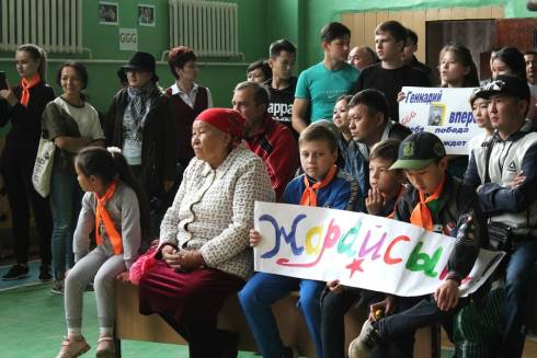 Бой Геннадия Головкина и Стива Роллса транслировали на избирательных участках в Караганде