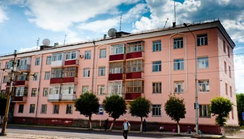 В Темиртау на средства системообразующей компании отремонтированы фасады жилых домов