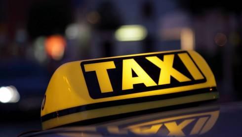 В Караганде во время карантина допускается перевозка только одного пассажира в такси