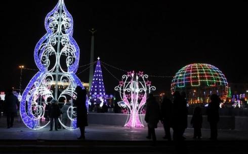В Караганде из-за непогоды решено отключить светодиодные новогодние украшения