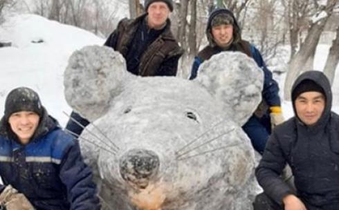 Карагандинцы выбрали самую лучшую снежную фигуру
