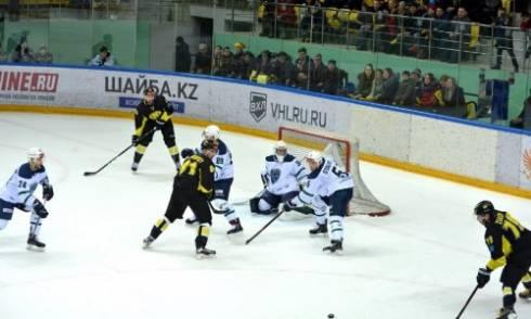 Неудачный старт. «Сарыарка» проиграла два матча из трех с начала сезона ВХЛ