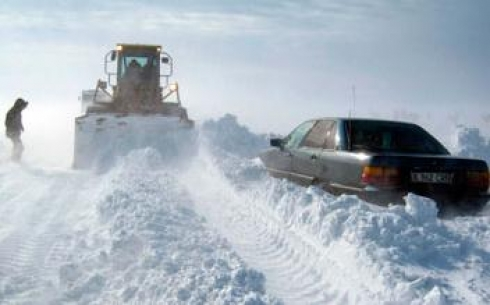 Более 100 единиц техники занято на расчистке дорог в Карагандинской области