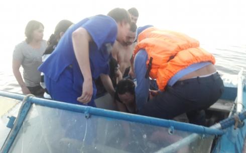 В Темиртау на Самаркандском водохранилище спасли беременную женщину