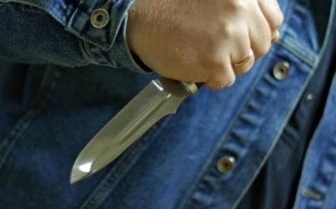 Сотрудника «АрселорМиттал Темиртау» ранили ножом в Карагандинской области