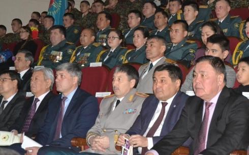 В Караганде Национальная гвардия отметила свой профессиональный праздник