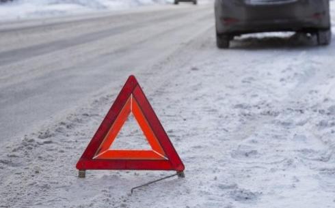 Пять автомобилей получили повреждения в массовом ДТП на трассе Караганда-Темиртау