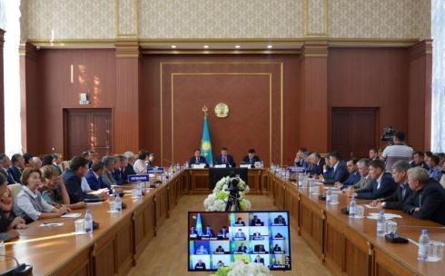 Более двух миллиардов тенге выделили в Карагандинской области на очистку водоемов и ремонт дорог