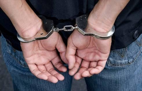 Полицейские Карагандинской области задержали вора, укравшего шубу и деньги у знакомой