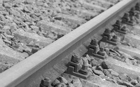 Жительница Караганды лишилась ног, попав под поезд в районе ДСК