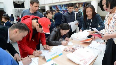 Более 80 тысяч молодых людей в Казахстане безработные