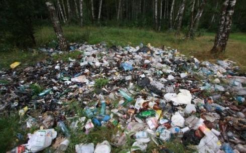Карагандинцы ответили, убирают ли за собой мусор на природе