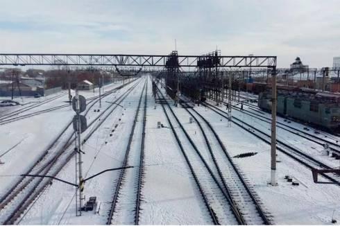 Человек погиб под колесами поезда в Карагандинской области