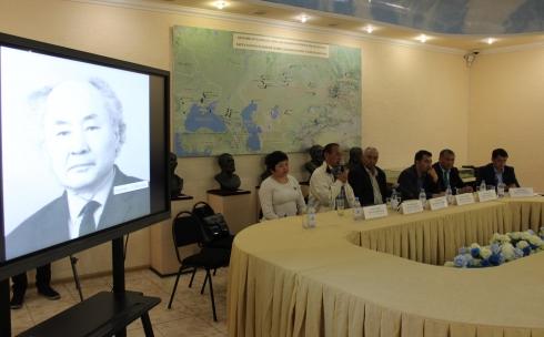 В Караганде отметили 115-летие со дня рождения Алькея Маргулана