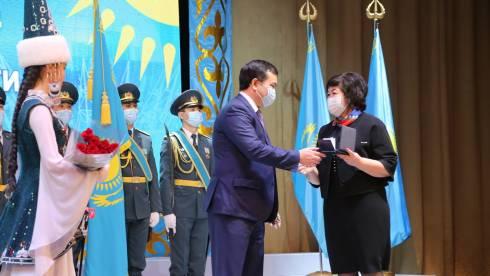 Карагандинцам вручили государственные награды в канун Дня независимости