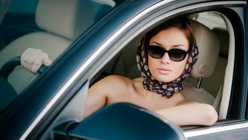 Каждым пятым автомобилем в РК владеет женщина