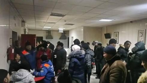 Спасатели вызволили из сломанного транспорта на трассе Алматы-Екатеринбург более 40 человек