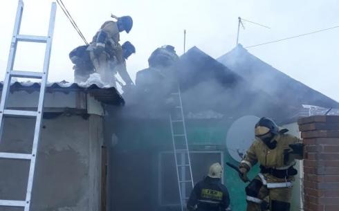 За выходные в Карагандинской области на пожарах спасено и эвакуировано 22 человека