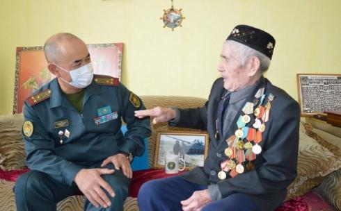 Ветерана Исмагила Галиуллина поздравили с Днем танкистов