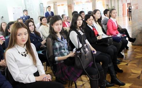 В КарГУ состоялся круглый стол по вопросам студенческого самоуправления