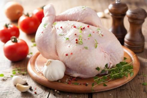 Из-за чего подорожало куриное мясо, пояснили в МСХ