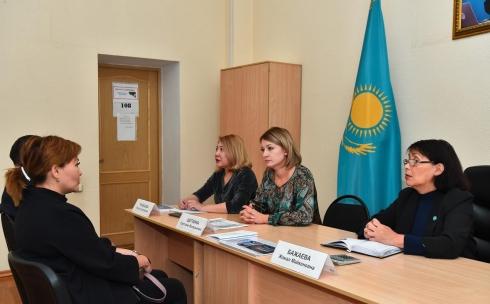 В Караганде проходят консультации по обязательному медицинскому страхованию