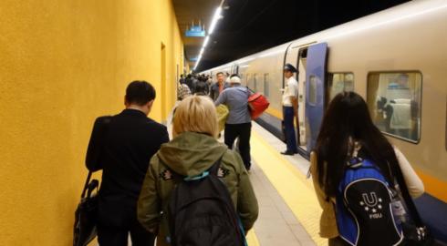 Ограничение доступа на перроны вокзалов: в министерстве объяснили планы