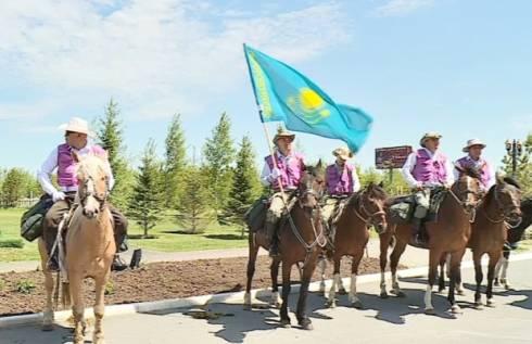 Любители конного спорта из Венгрии стали участниками многодневного похода по РК