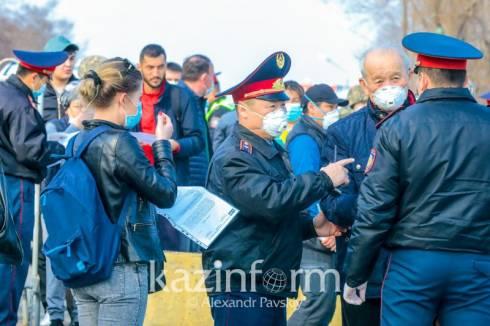 Жесткий карантин могут вернуть в Казахстане – Президент поручил госкомиссии внести предложения