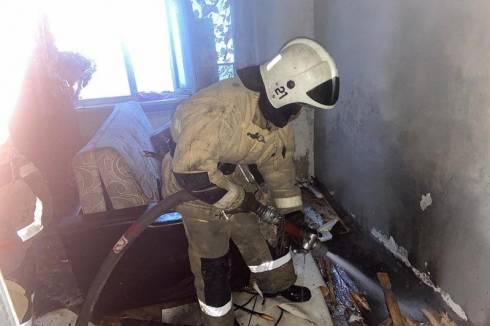 Карагандинка выпрыгнула из окна, спасаясь от пожара