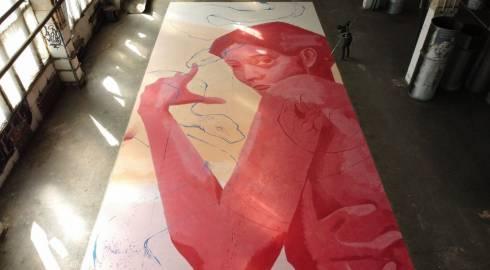 Молодая художница из Караганды в одиночку нарисовала самый большой мурал в городе