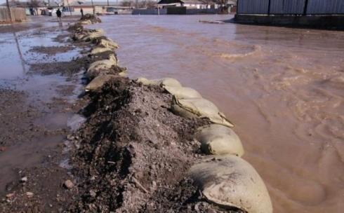 Паводки в Карагандинской области подтопили город Абай