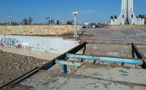 В Караганде начался ремонт моста на Аллее семьи, любви и верности