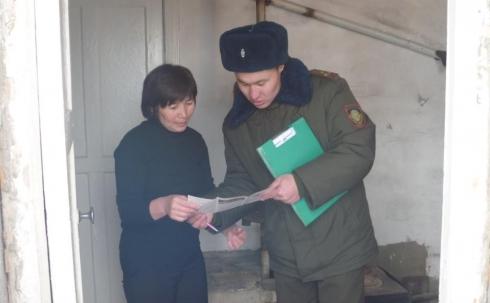 Спасатели проверяют частные жилые дома