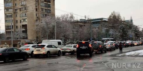 32 аварии произошли в Караганде из-за выпавшего снега
