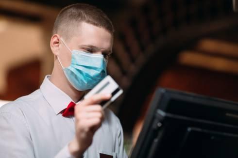 В рестораны Караганды не запустят посетителей без маски и с температурой выше 37,2 градусов