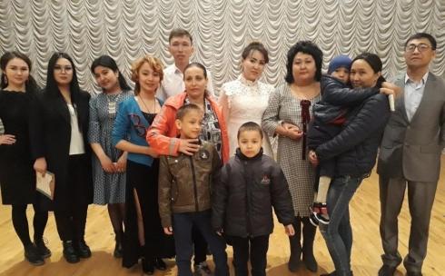 В помощь детям с ДЦП в Караганде провели благотворительный концерт