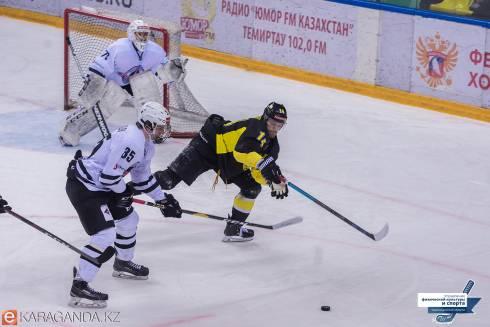 Фоторепортаж с матча ВХЛ «Сарыарка» — «Челмет» 4:0