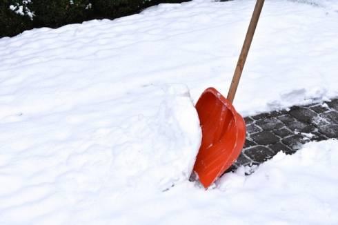 Акимат города Караганды просит помощи у горожан в уборке снега
